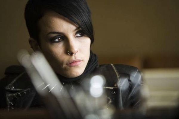 Lisbeth salander is a dexterous enigma a new generation for Noomi rapace the girl with the dragon tattoo
